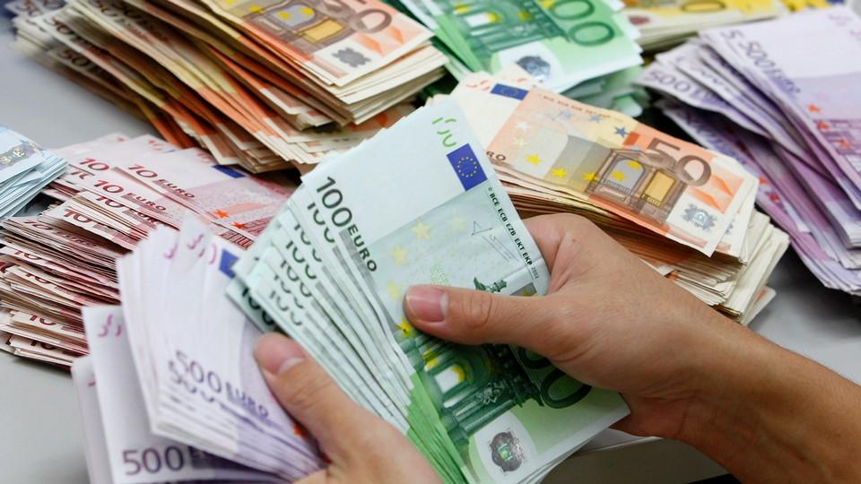 França com dois mil milhões para combater taxa de desemprego